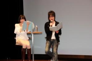 声優の前野智昭さん(右)と諏訪彩花さん
